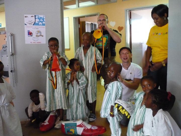www.wir-helfen-afrika.de
